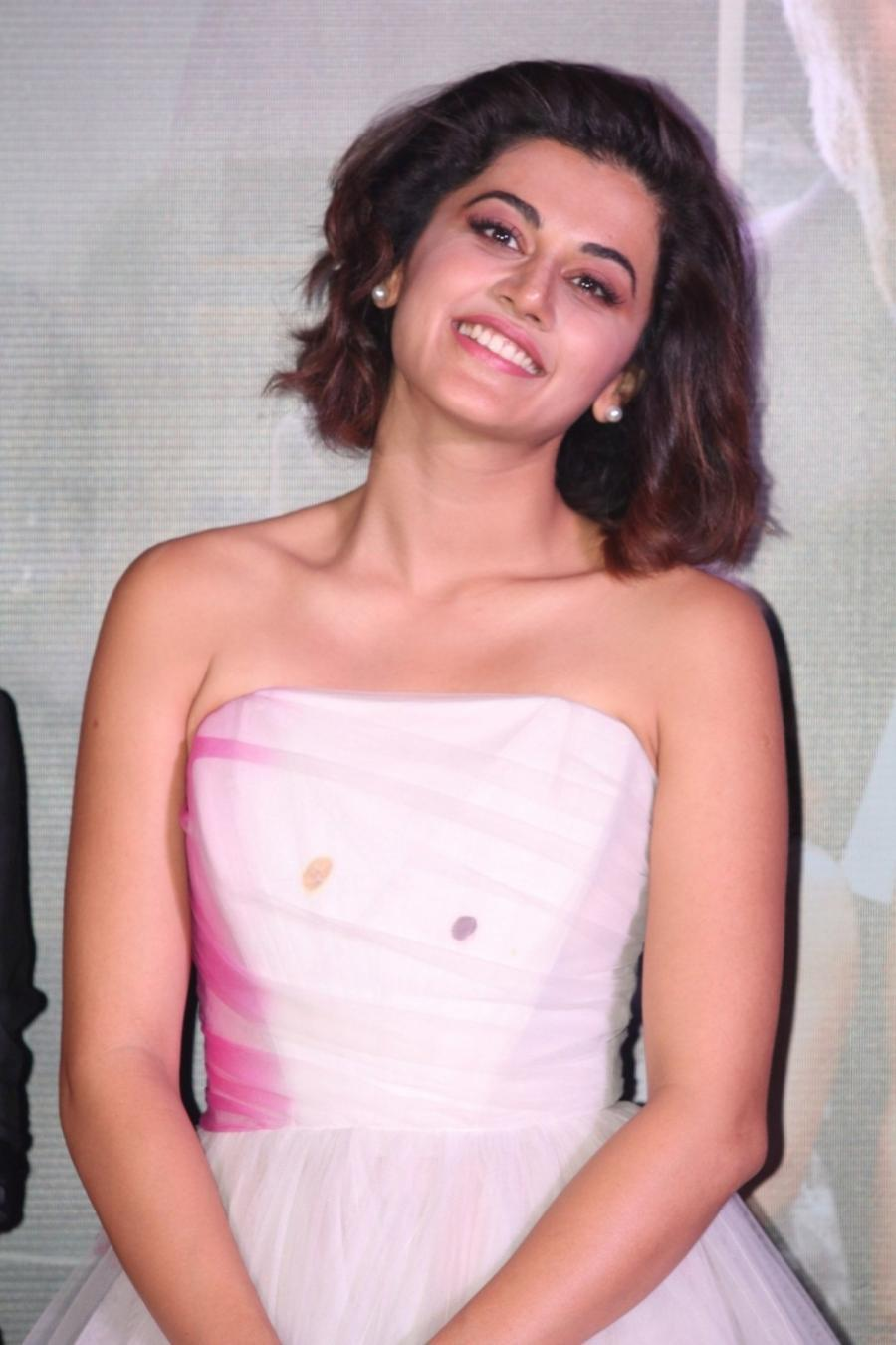 Bollywood Model Taapsee Stills In Pink Gown