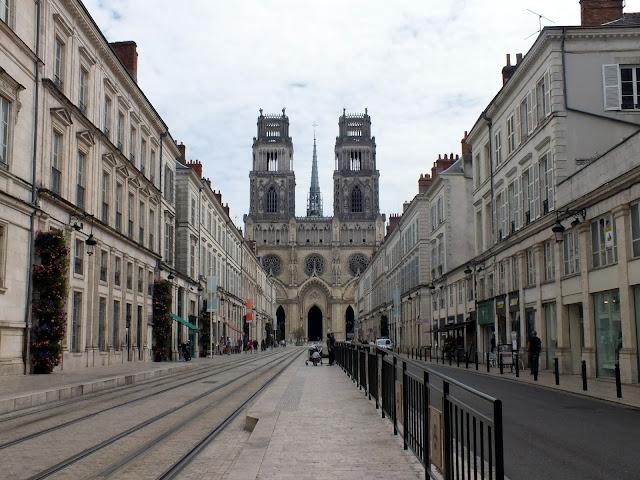 vista de la catedral de orléans