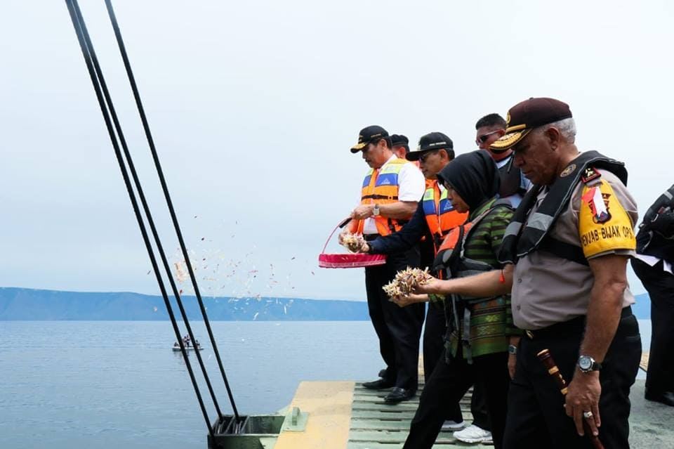 Acara penaburan bunga untuk para KORBAN pesawat Lion Air PK-LQP