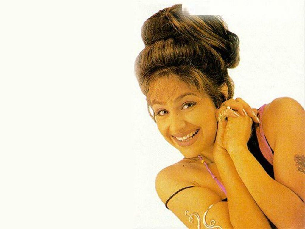 Sexy Wallpapers Ayesha Jhulka Bollywood Hot Actress Photos Biography Videos Wallpapers 2011-3242