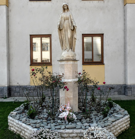 Свалява. Скульптура Пресвятой Девы Марии