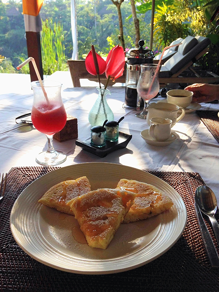 Euriental | travel and fashion | Villa Shamballa breakfast, Ubud, Bali