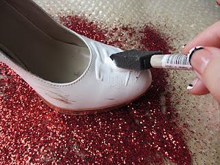 1a45b58134 como decorar zapatillas para novia