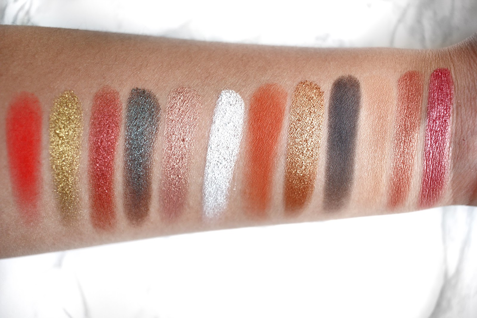 Juvia's Place The Saharan Palette Swatches