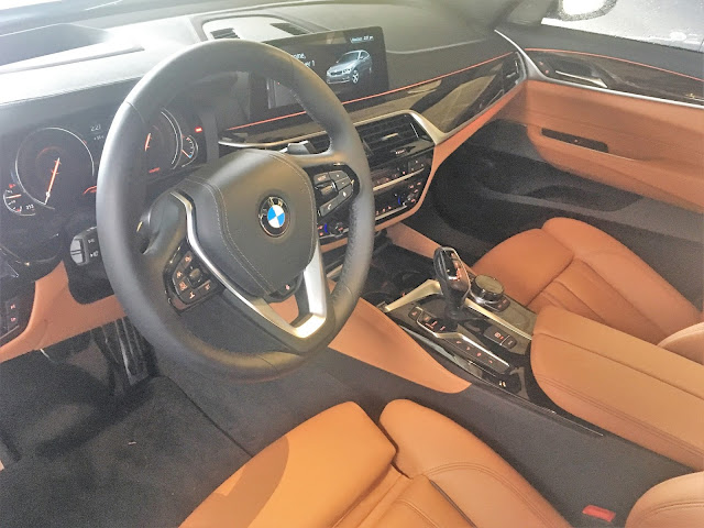 Interior view of 2018 BMW 640i xDrive Gran Turismo