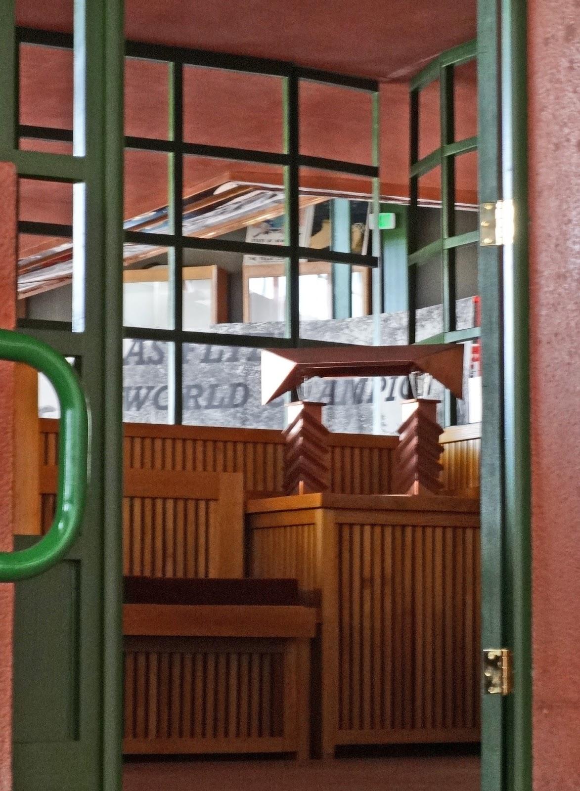 Jax Stumpes: Buffalo Transportation Pierce-Arrow Museum (10/8/2016)