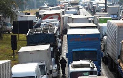 Transportadores veem alta do frete com melhora da economia e tabela; defasagem na taxa recua