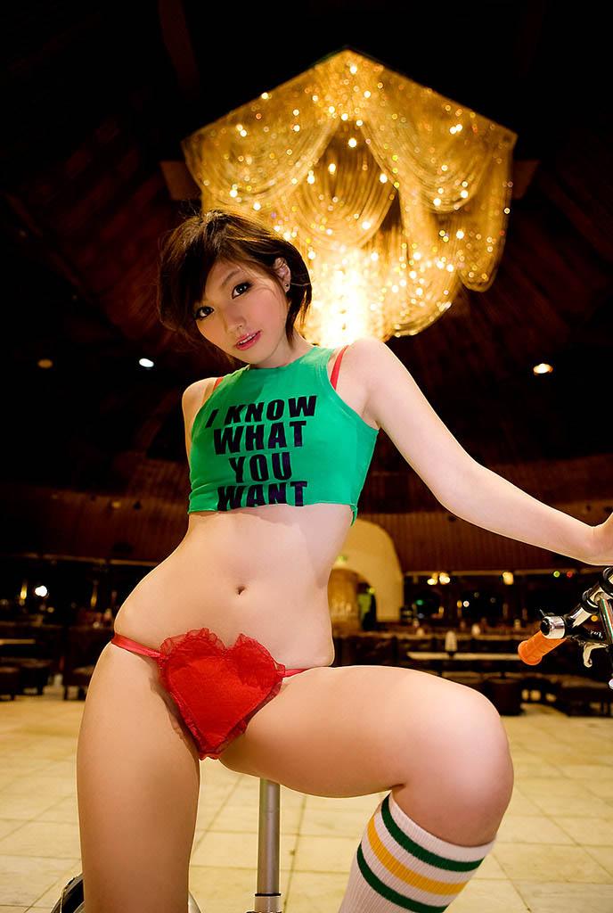 yuka kyomoto sexy bikini pics 01