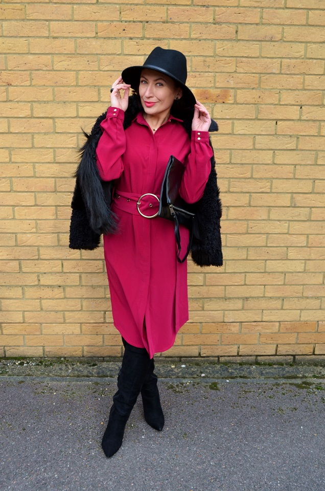 vAdriana Style Blog, TOPSHOP Fur, Tova Dress, Fuksja, Fuchsia, Colour in oufit, kolor w stylizacji, sukienka Tova, Futro, Kapelusz, Hat, Outfit, Fashion, Moda, My personal style