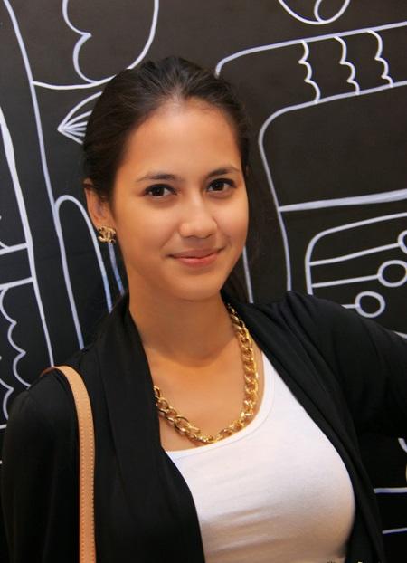 Artis Indonesia Paling Cantik dan populer 2016