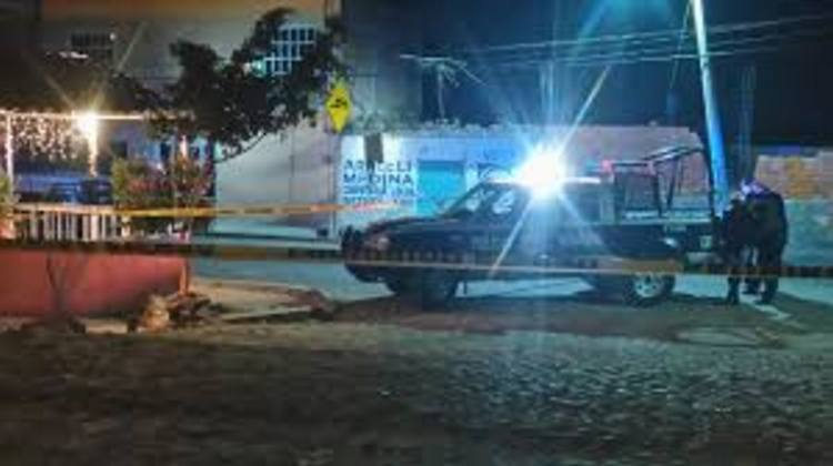 Ejecutan a dos en camioneta en Apaseo El Alto, Guanajuato