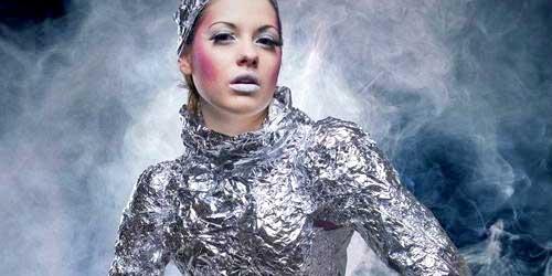 disfraz original chica futurista halloween