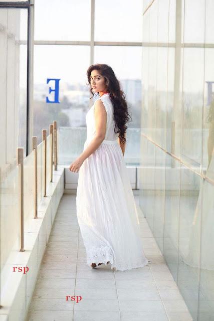 Divya Singh (6).jpeg