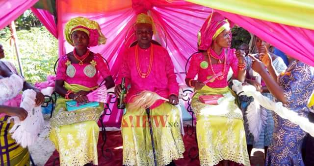 Update: Photos from the wedding of Isoko man and his two wives in Delta State