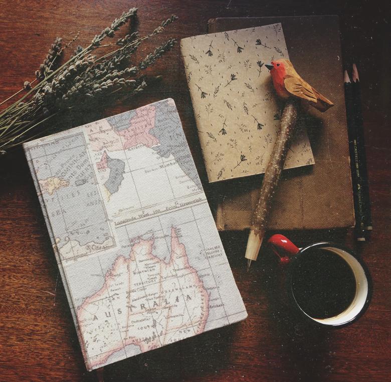 Viene de vista Señorita Sandwich para mostrarnos el arte de la encuadernación,el blog se llenará de piezas de papelería maravillosas