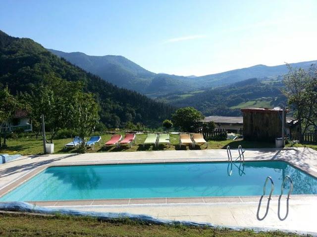 http://www.gailurretan.com/la-casa-rural-cantabria-bizkaia.php