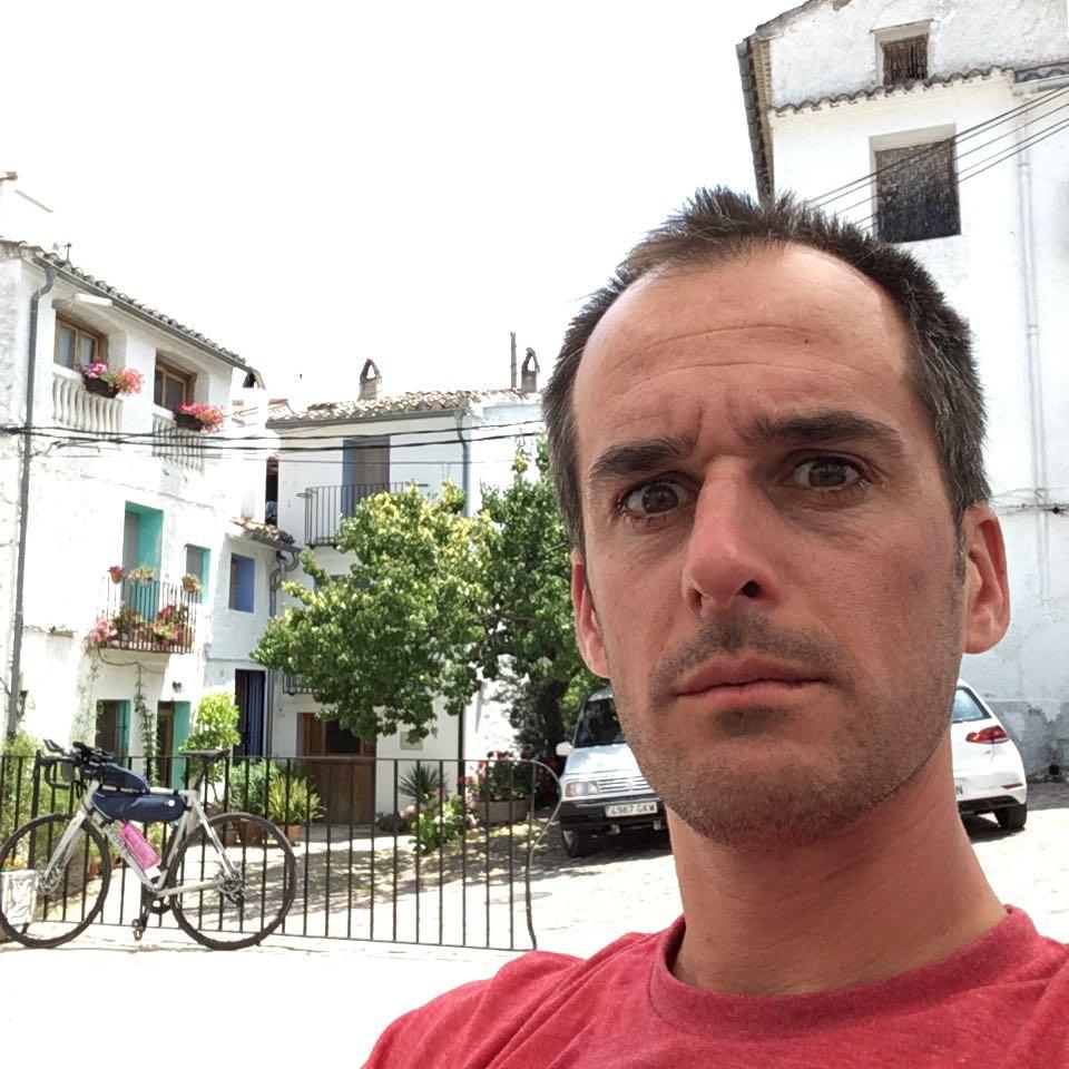 Cycling in Spain. Bar Cooperativa Agrícola San Ambrosio in Aín, Castellón