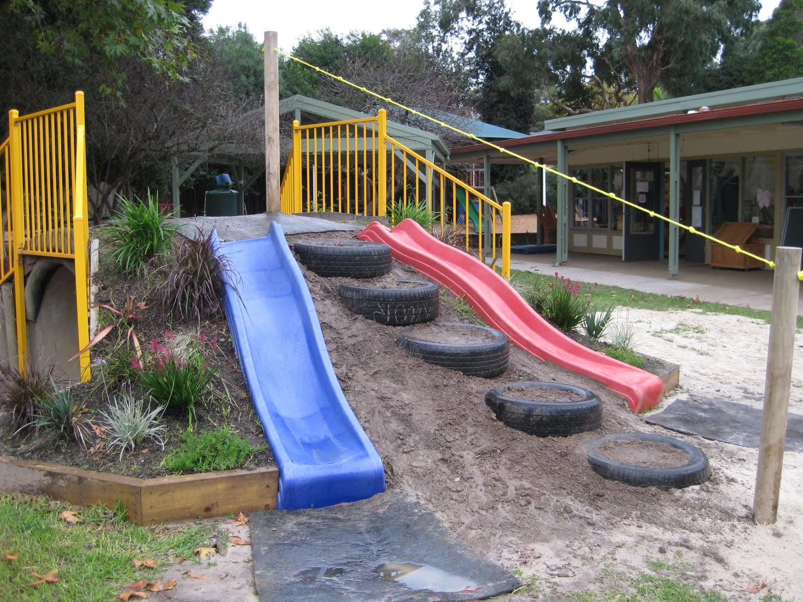 Build a beautiful playground in the garden with old car