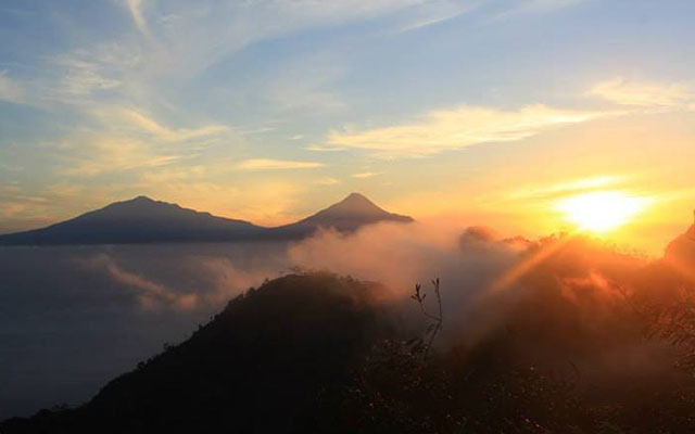Suroloyo sunrise trip