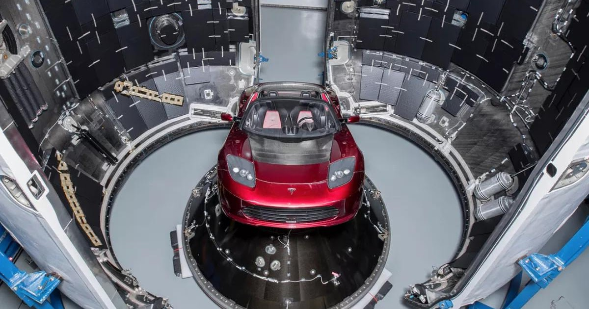 Elon Musk Shows Off the Tesla Roadster that SpaceX will Send Beyond Mars