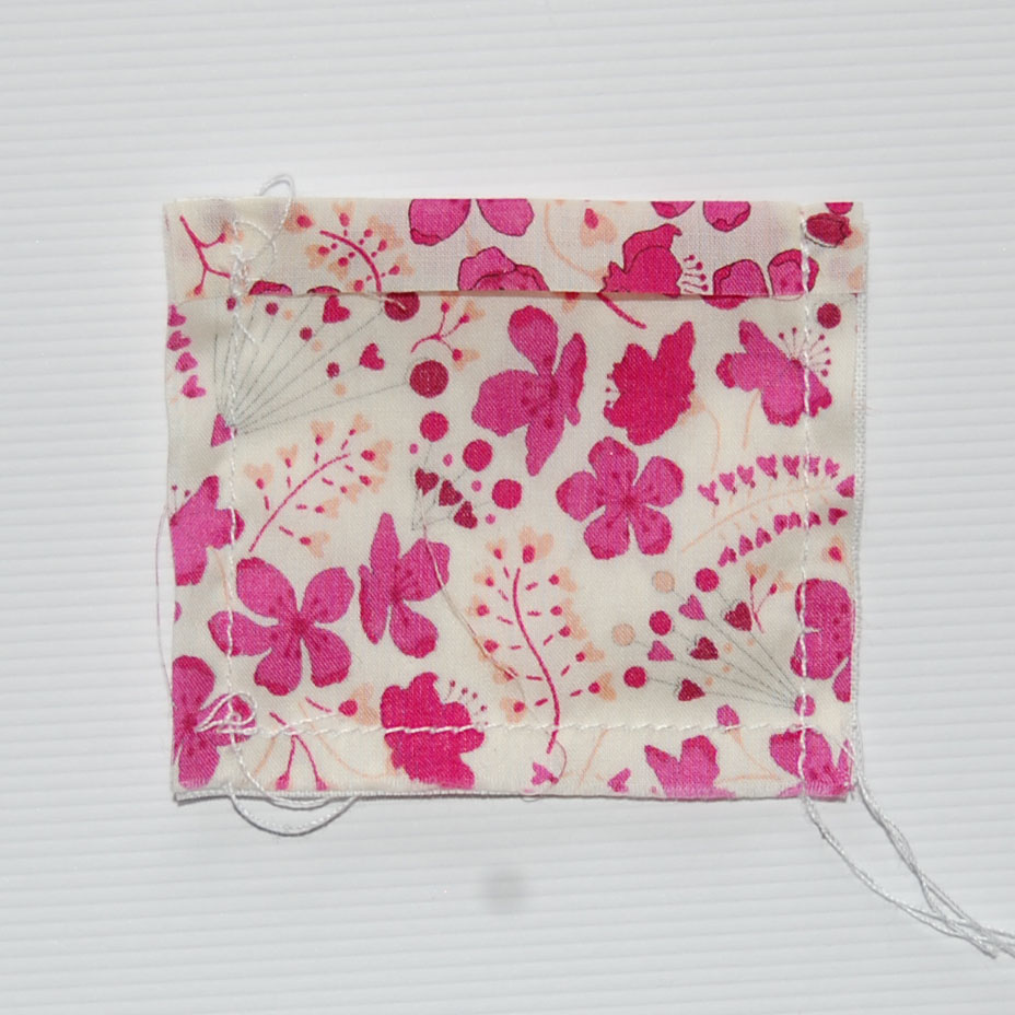 BLONDE DESIGN: Make - Mini Lavender Pillows