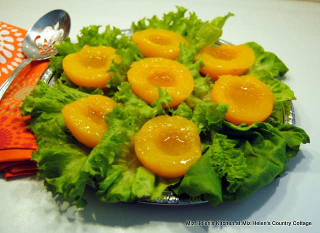 Retro Peach Salad at Miz Helen's Country Cottage