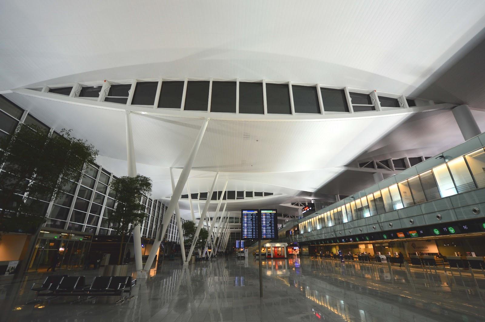 Airport Wroclaw : W wa jeziorki wrocław airport s new terminal
