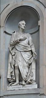 The statue of Amerigo Vespucci by the Ufizzi