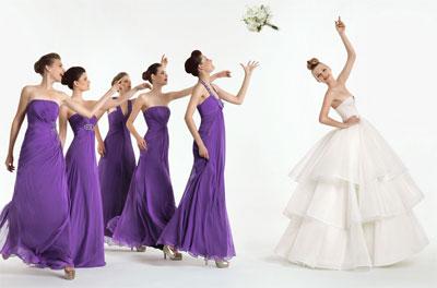 a3284017aebe La tradizione della damigella d onore è iniziata nei tempi antichi in cui  la madre della sposa