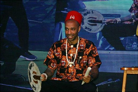 Thierry-Henry-crowned-Igwe-of-football-in-Nigeria-5