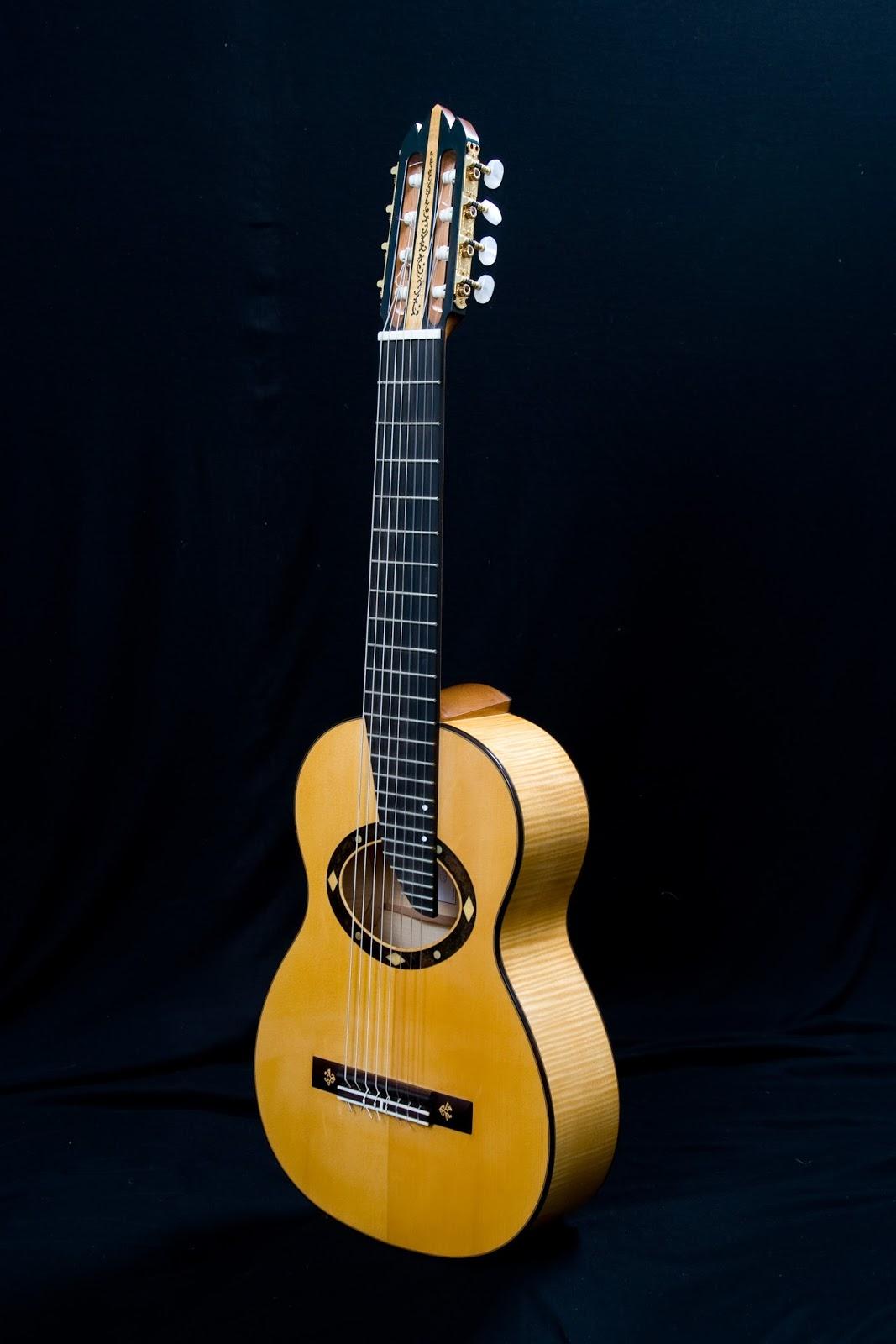 guitarras custom constru das por rodolfo cucculelli luthier 8stringed classical guitar abete. Black Bedroom Furniture Sets. Home Design Ideas