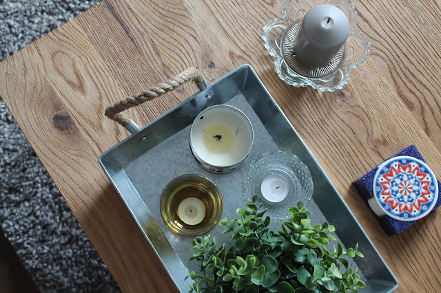 Wooden Coffee Table - Candles