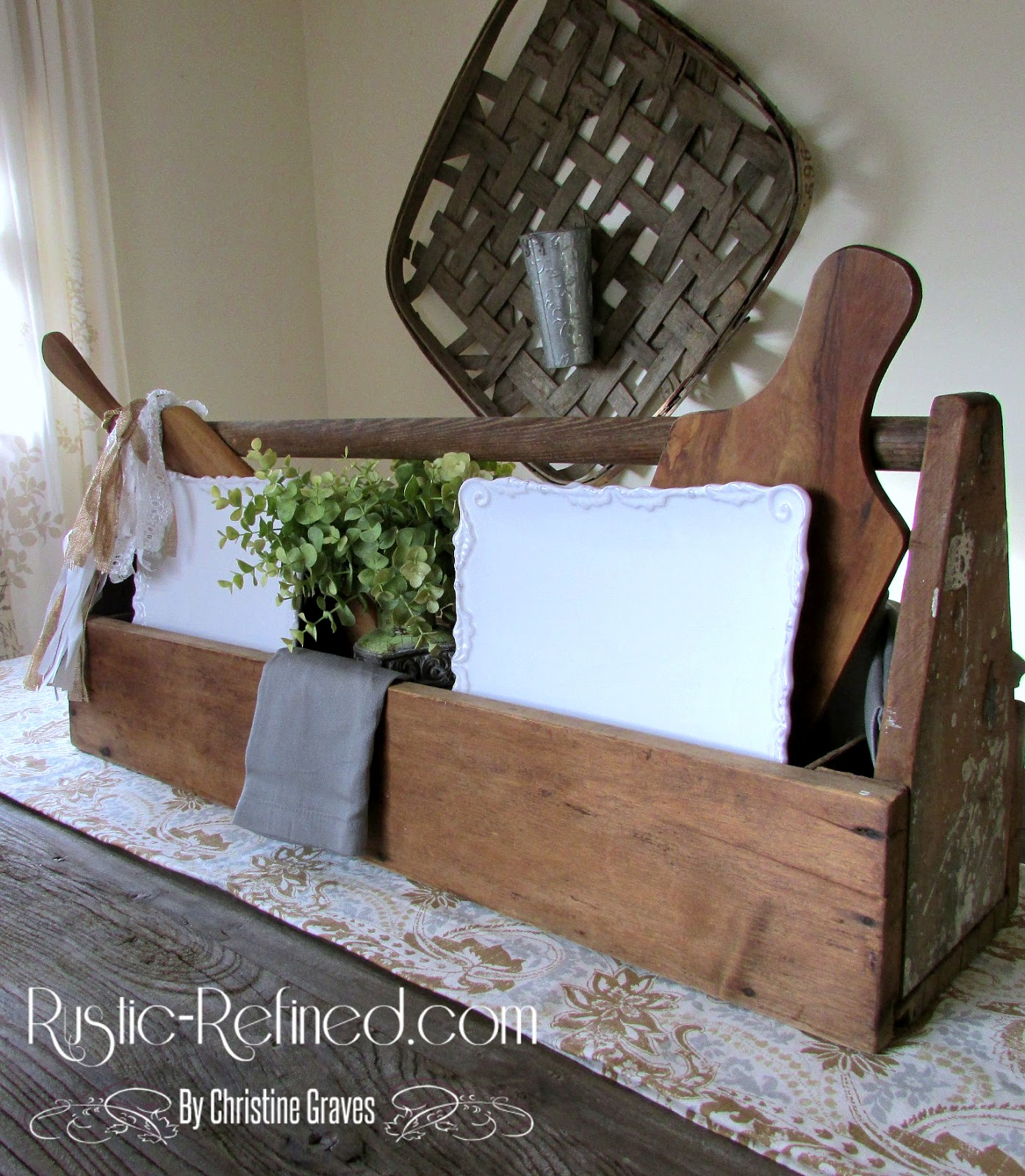 Rustic farmhouse table centerpiece refined