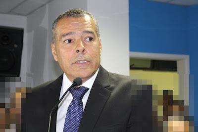 ALAGOINHAS: Prefeito Joaquim Neto autoriza 13º salário e férias para vereadores