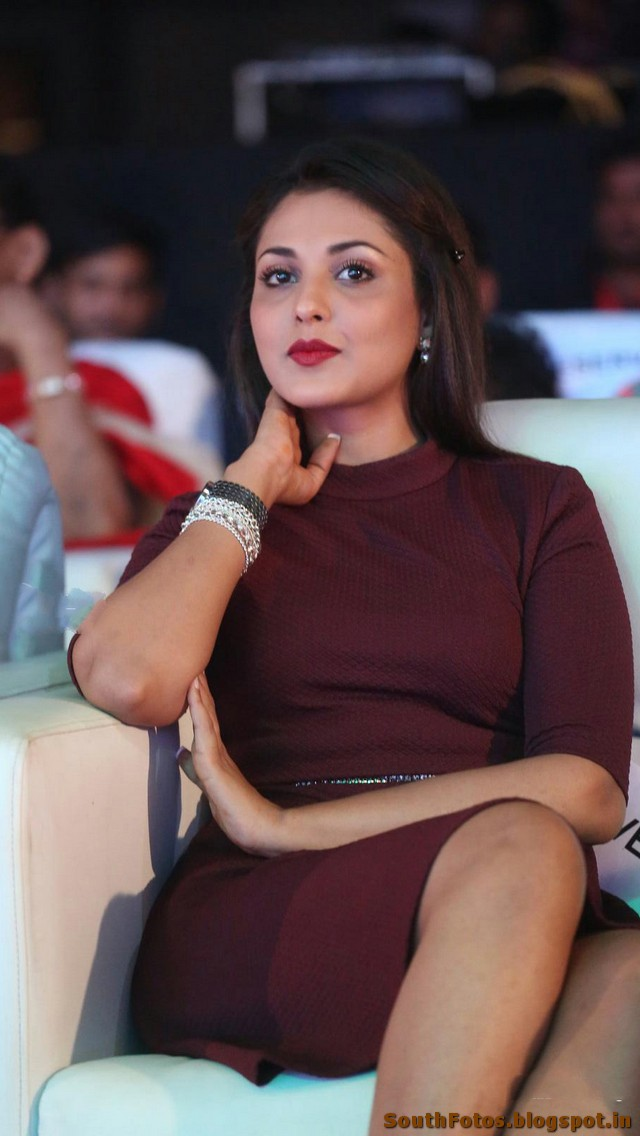 Madhu Shalini Sexy Photo Gallery