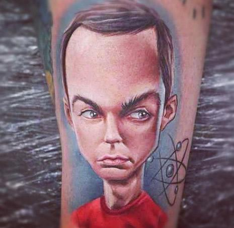 Tatuaje de Sheldon el protagonista de The big Bang Theory