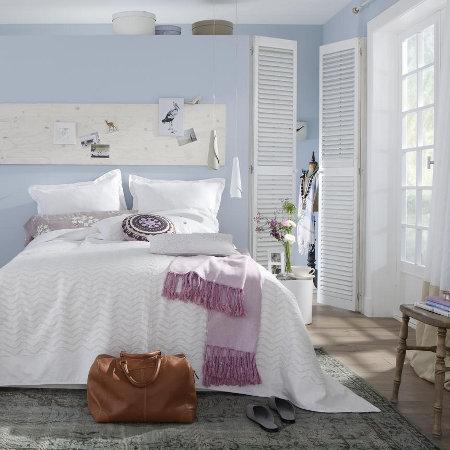 Boiserie c nuance pastello per l 39 arredamento della for Arredare casa al mare immagini