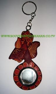 Souvenir Pernikahan Gantungan Kunci Batik Jogjakarta 8