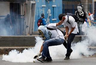 106 άνθρωποι έχουν χάσει τη ζωή τους σε ταραχές