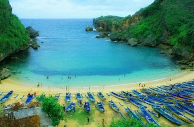 This is 4 Stunning beach in Yogyakarta.
