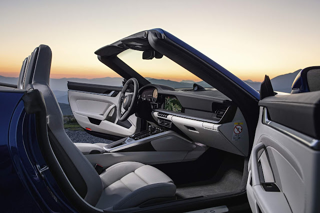 Porsche 911 Cabriolet 2020 - interior
