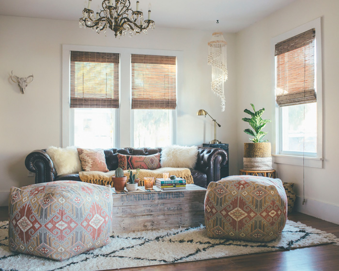 Interior: bohemian living room - Seaofgirasoles