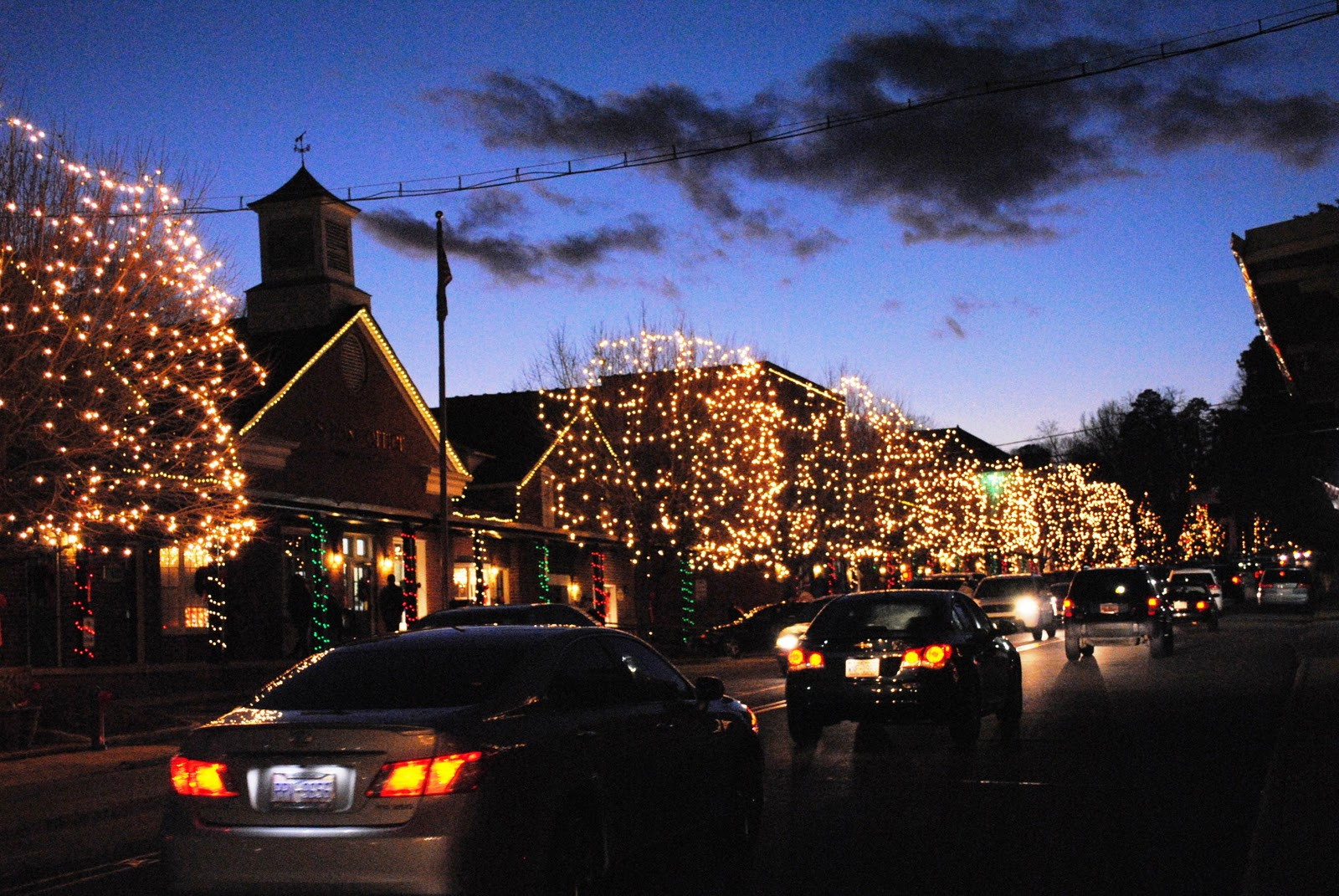 Mcadenville Christmas Lights.Best Christmas Cities Mcadenville Christmas Town Usa