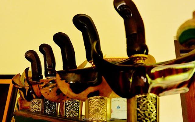 Koleksi keris milik Empu Sungkowo di Desa Wisata Malangan, Sleman