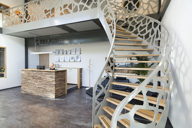 Дизайнерская стальная лестница