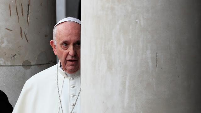 Un periodista italiano habría redactado las acusaciones al papa sobre abuso sexual en la Iglesia