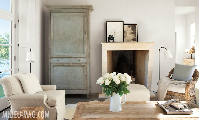 Modern farmhouse style in French Country living room by Eleanor Cummings (found on Hello Lovely)