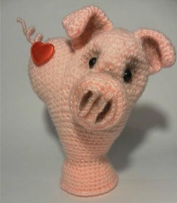Свинка валентинка крючком
