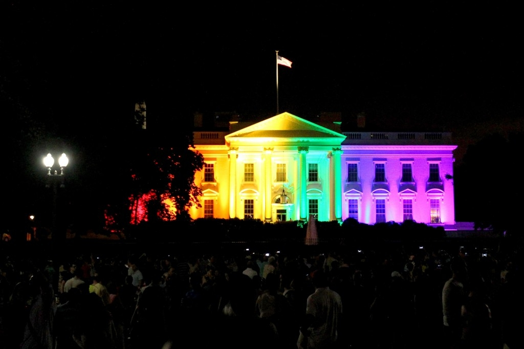 70 Of The Most Touching Photos Taken In 2015 - The White House is illuminated in gay pride colors following a Supreme Court ruling that the Constitution requires that same-sex couples be allowed to marry.