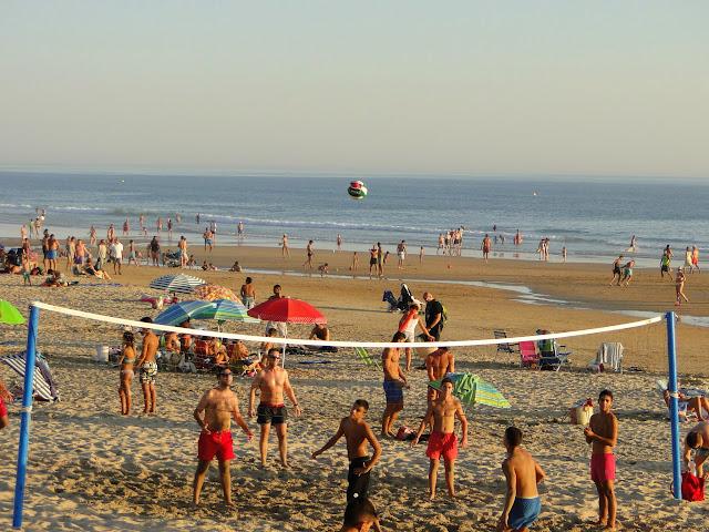 Voleibol en la playa de Conil